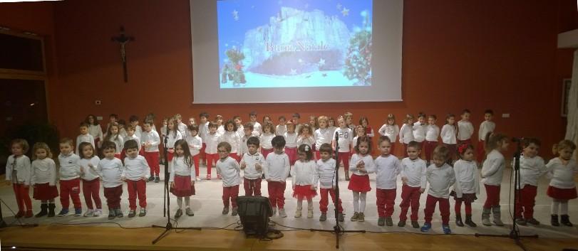 """Festa di Natale dell'asilo """"Mater Dei"""""""